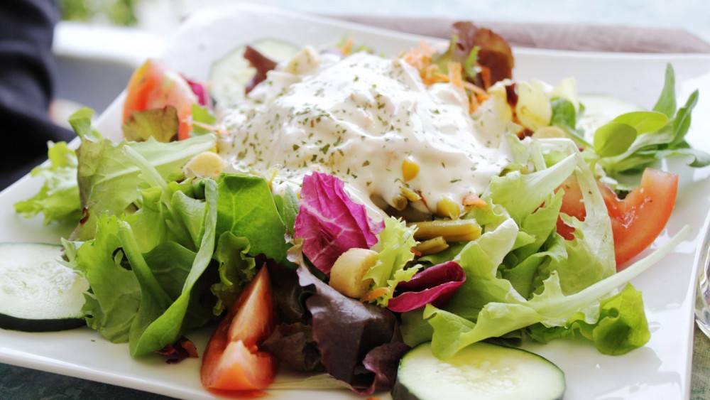 Urlaub Campingurlaub Italien Cervo Essen Salat