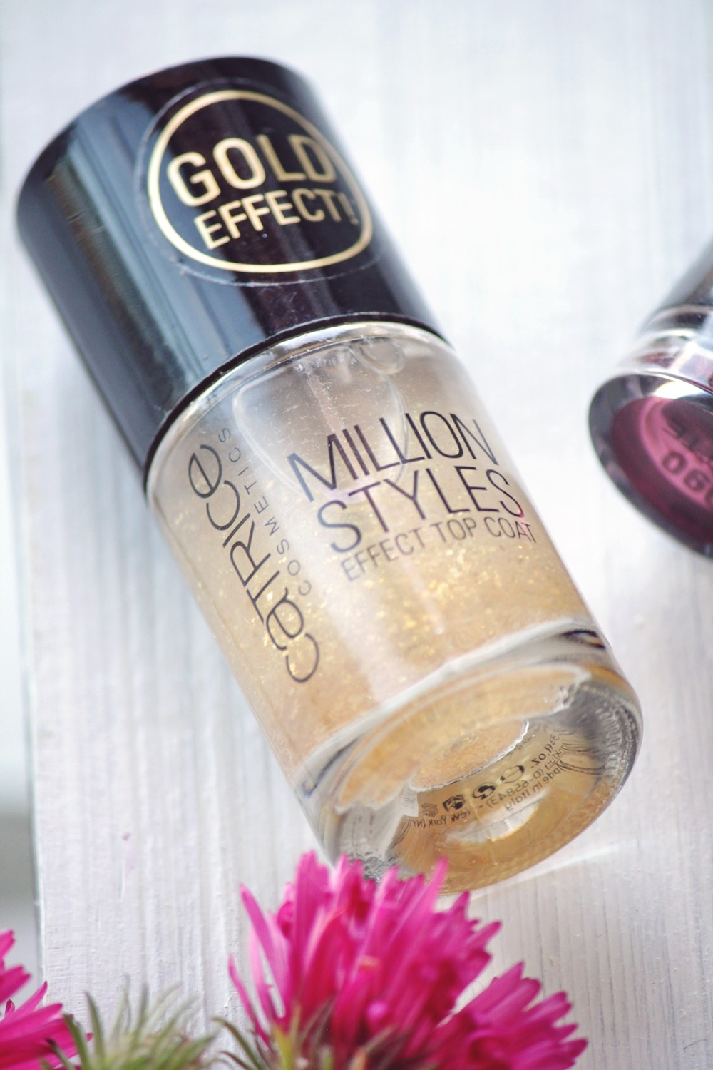 Holy Grails of beauty Catrice Million Styles Effect Top Coat Gold Effect