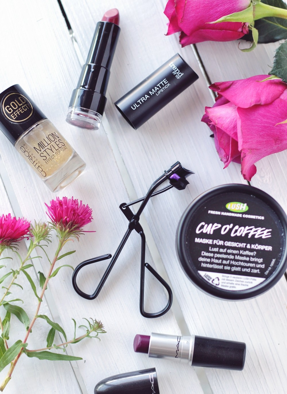 Holy Grails of beauty Lush Catrice MAC Trend it up 1