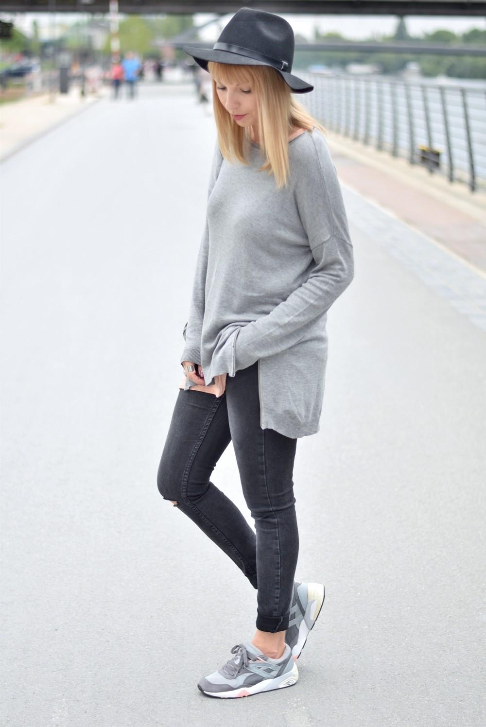 Puma Vashtie Outfit grau Jeans Sweater 14