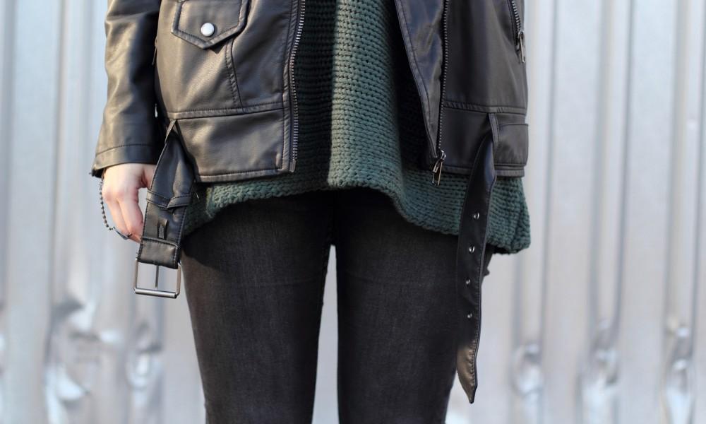 Outfit Vero Moda Strickpullover Jeans weisse Sneaker Mütze 10