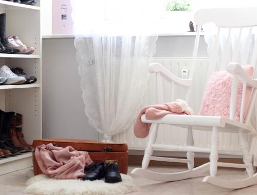 Home sweet home wohnzimmer lavie deboite for Schaukelstuhl deko