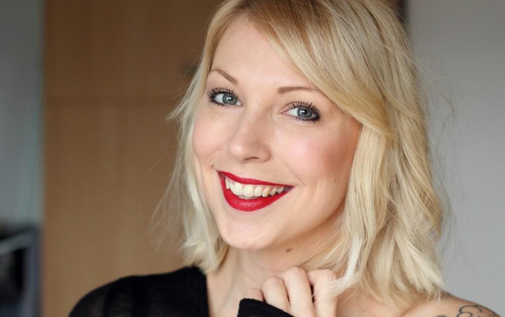 Beautyblogger Karlsruhe MAC Lippenstift Lipstick Russian Red Swatch 2