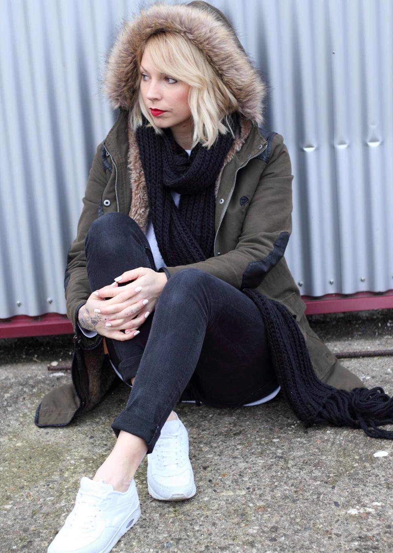 Fashionbloggeri Karlsruhe Outfit Parka Zara Sneaker Deichmann Jeans Sweater Schal 19
