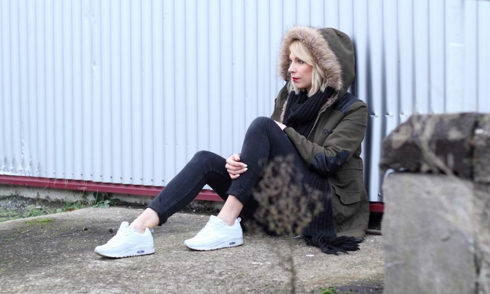 Fashionbloggeri Karlsruhe Outfit Parka Zara Sneaker Deichmann Jeans Sweater Schal 21