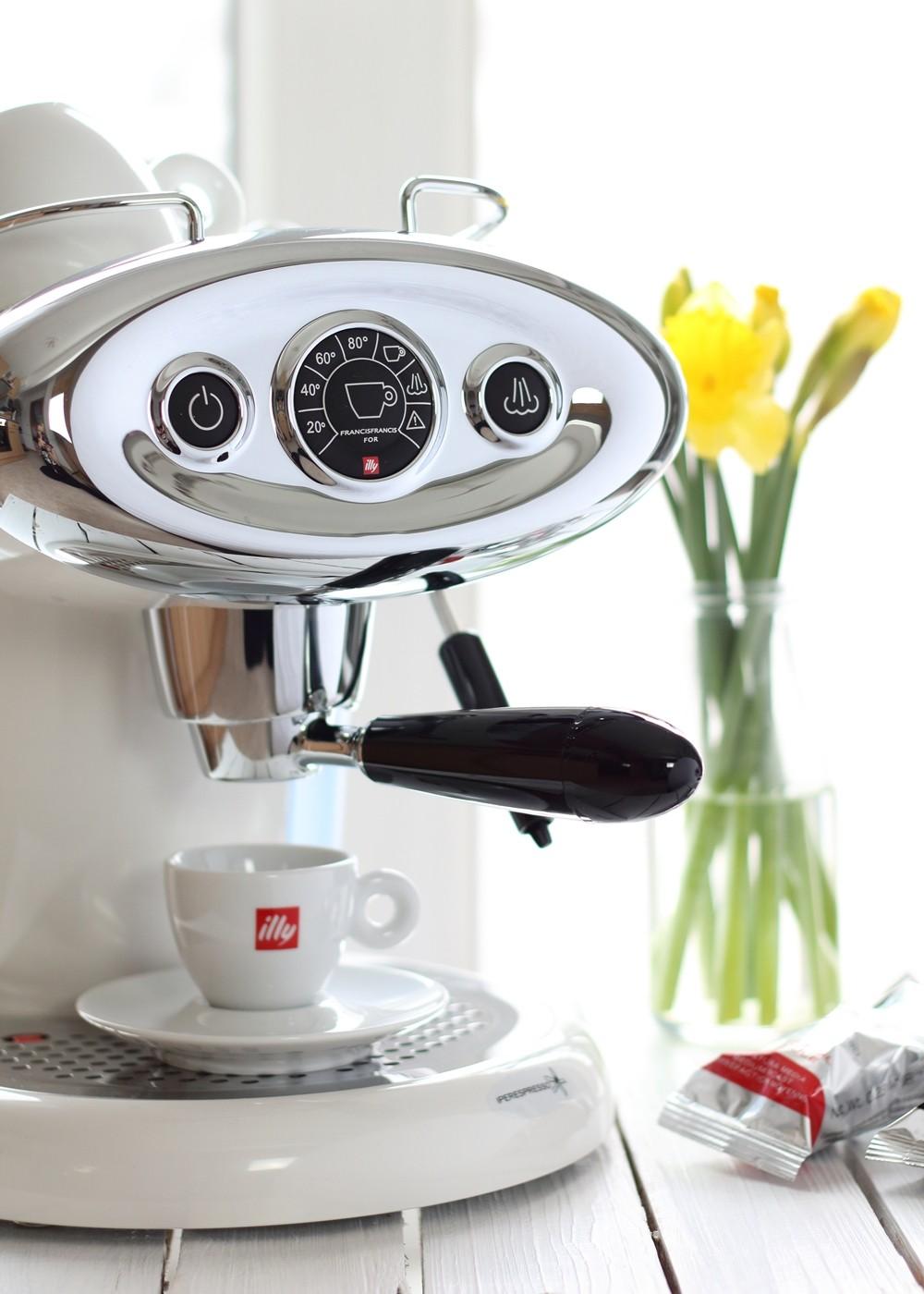 Illy Iperespresso Espressomaschine weiss 3