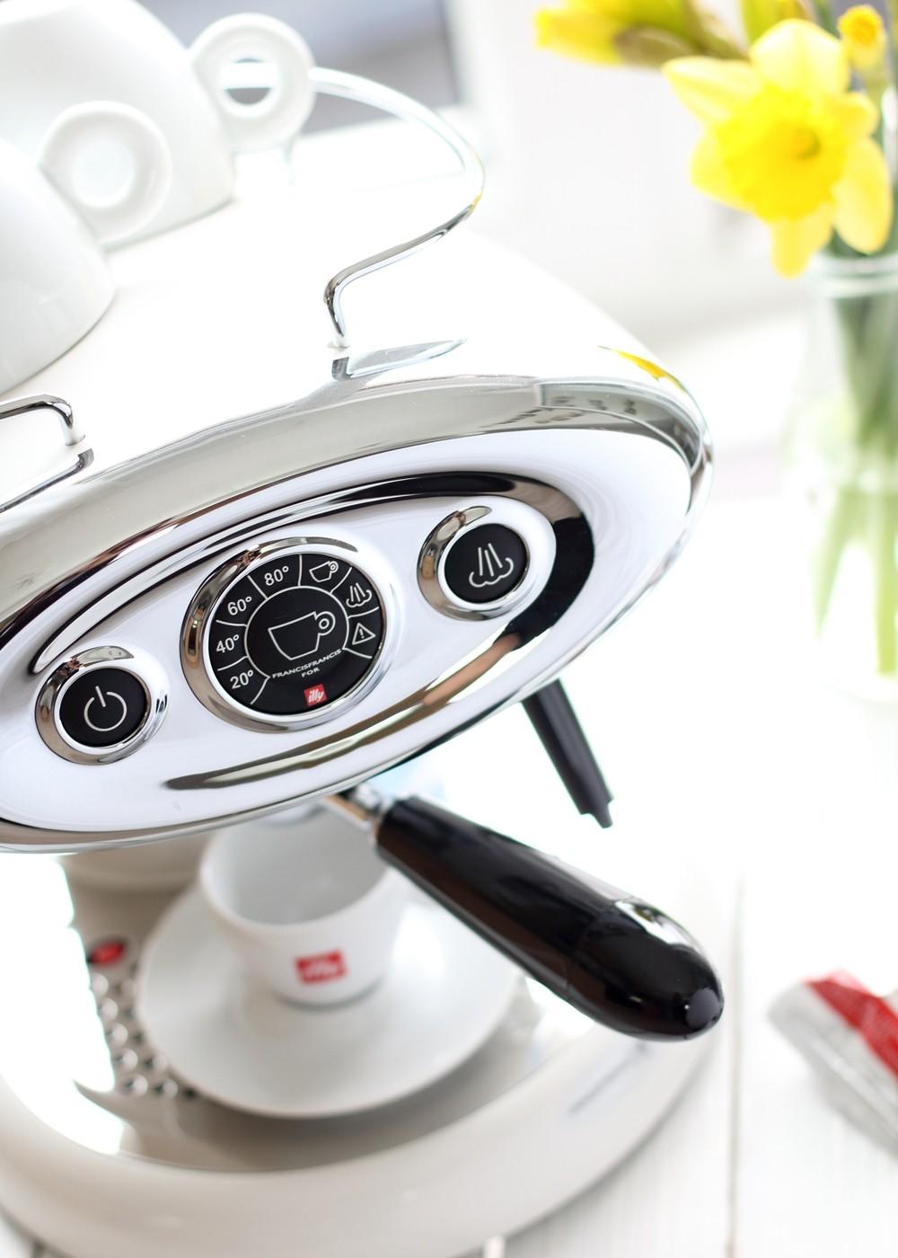 Illy Iperespresso Espressomaschine weiss 7