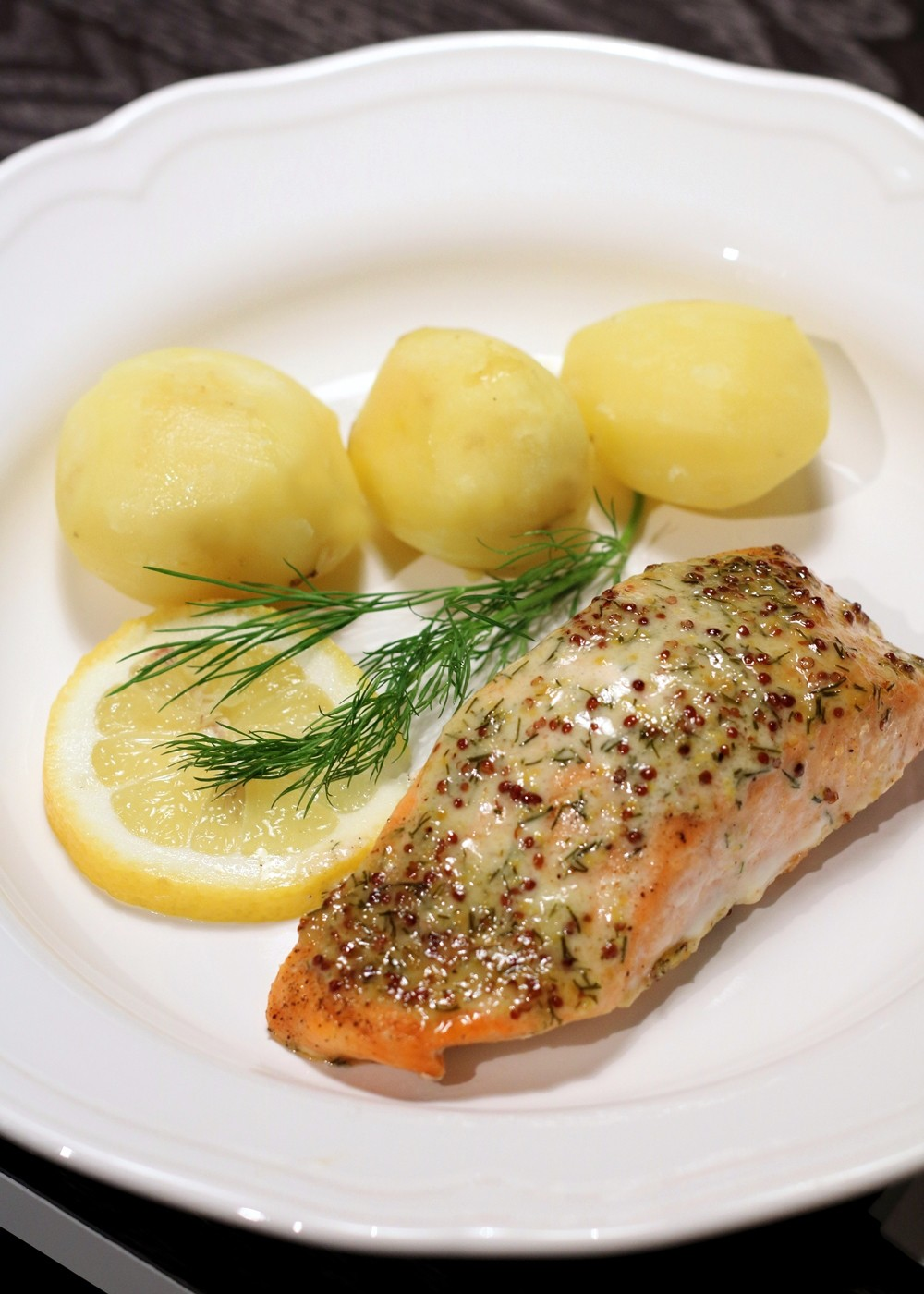 Lachs in Senf Dill Sauce000008