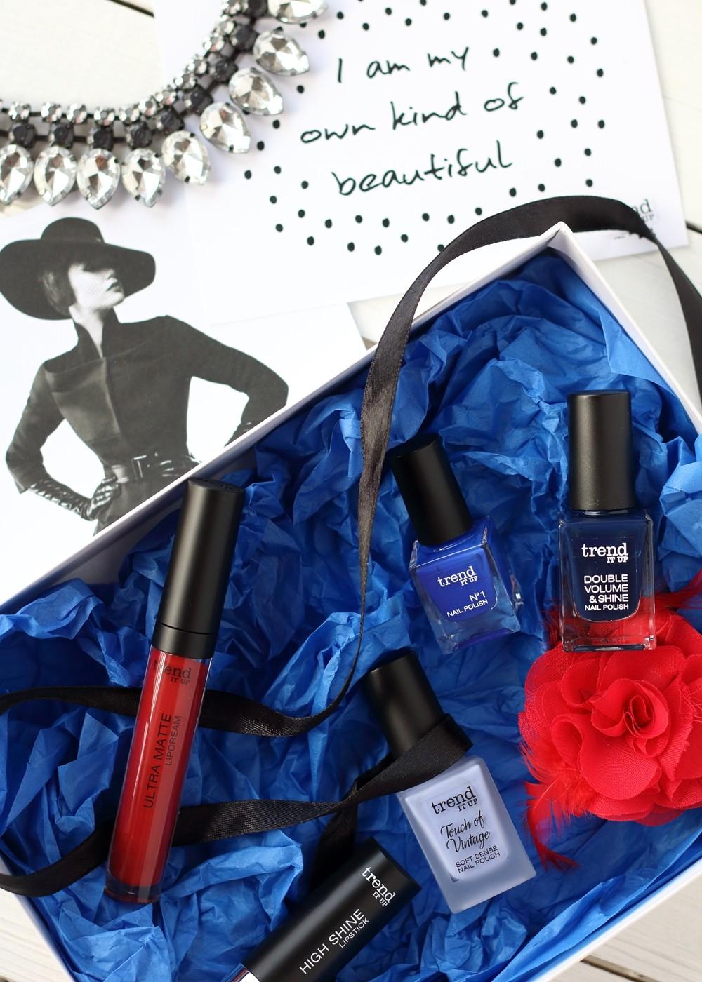 Trend it Up Box Bloggerevent rot blau Nagellack Lippenstift 3
