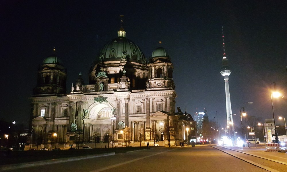 Dom Berlin bei Nacht