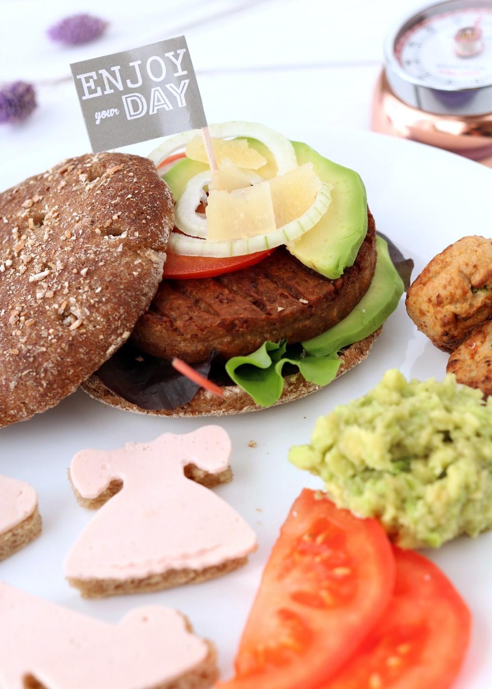 Fashion meets Food Blogparade Blogger Lobster of the year Award Burger Rügenwalder Mühle (5)