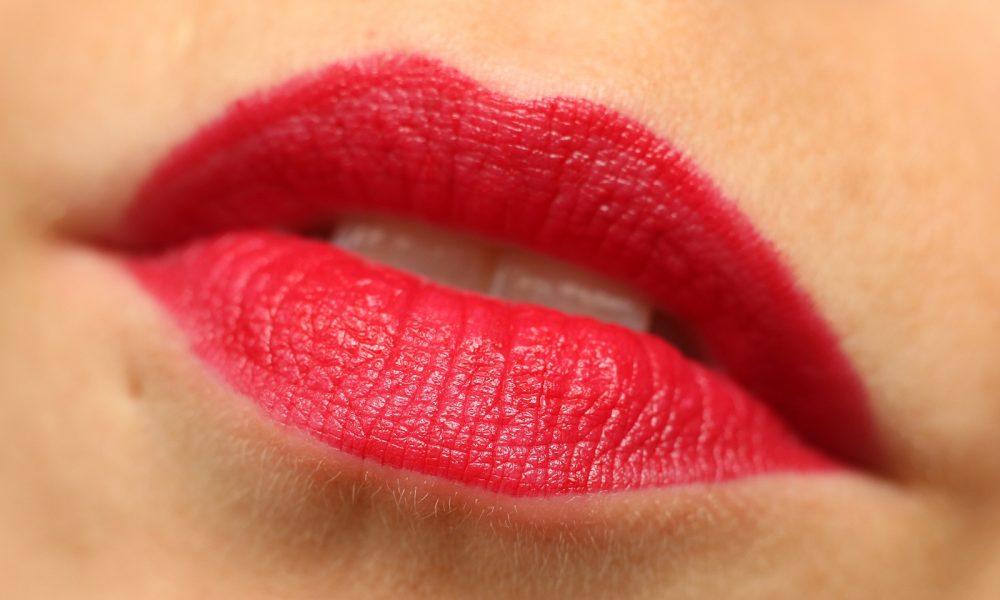 Astor Perfect Stay Fabulous Lippenstift Swatch 204 Favorite Berry