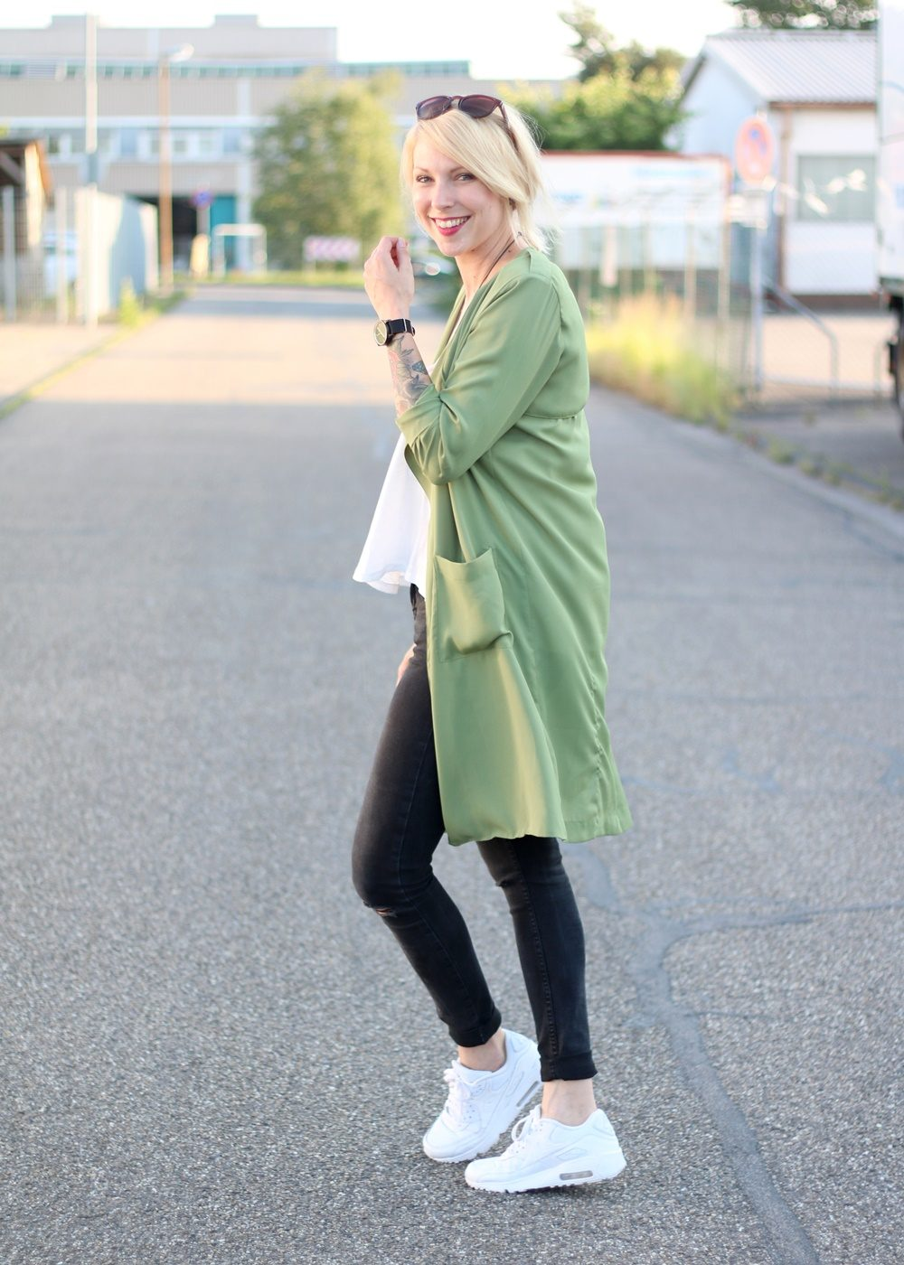 Fashionbloggerin Karlsruhe Outfit Parka Nike Air Max Sonnenbrille (4)
