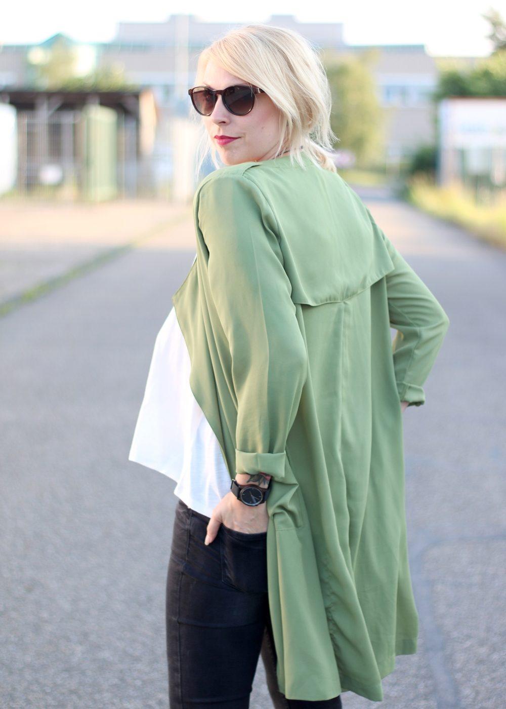 Fashionbloggerin Karlsruhe Outfit Parka Nike Air Max Sonnenbrille (6)
