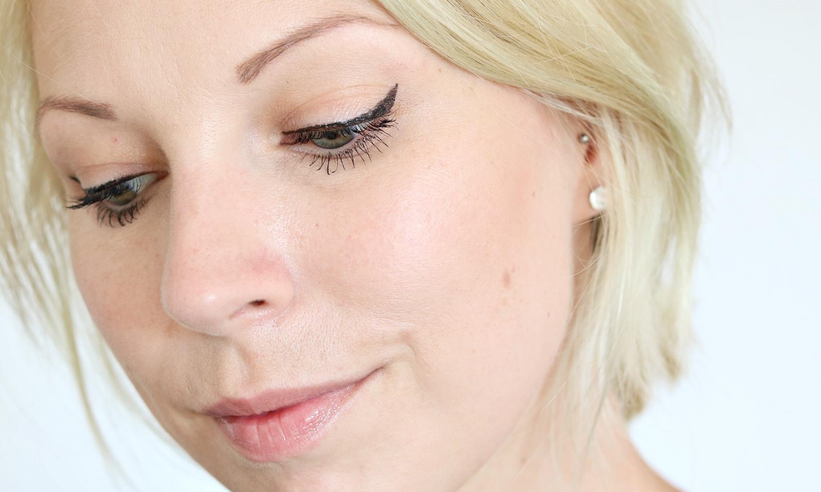 bareminerals make up nat rlich mascara foundation eyeliner highlighter puder 4 lavie deboite. Black Bedroom Furniture Sets. Home Design Ideas