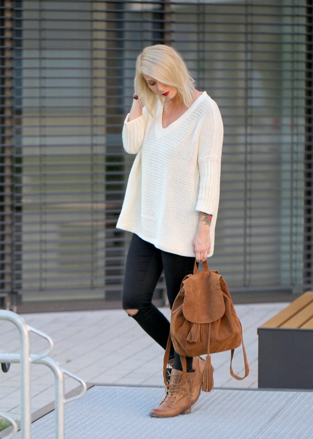 fashionbloggerin-karlsruhe-outfit-braune-schnuerboots-zign-strickpullover-noisy-may-fransenrucksack-just-fab-2