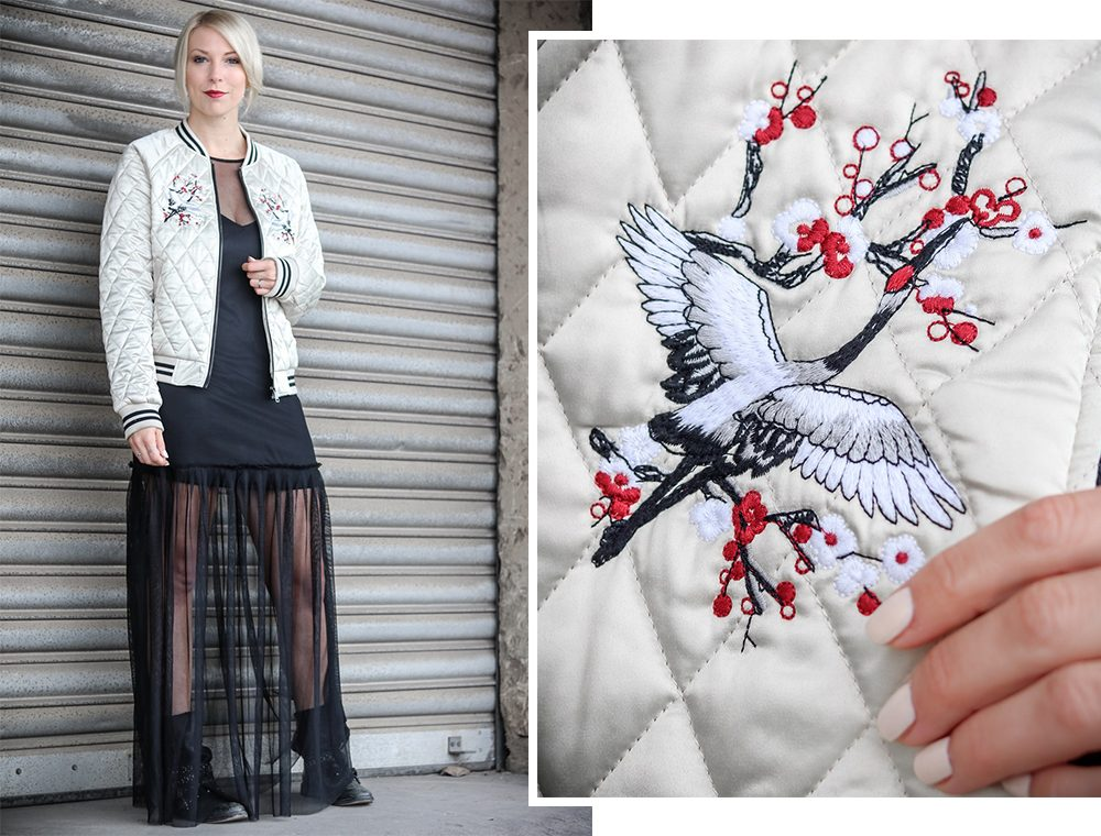 outfit-fashionbloggerin-bomberjacke-vero-moda-bikerboots-schwarzes-maxikleid-transparent-stradivarius-7