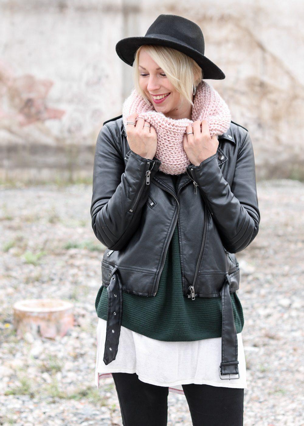 outfit-roland-schnuerstiefel-tamaris-rose-strickpullover-vero-moda-khaki-hut-jeans-7