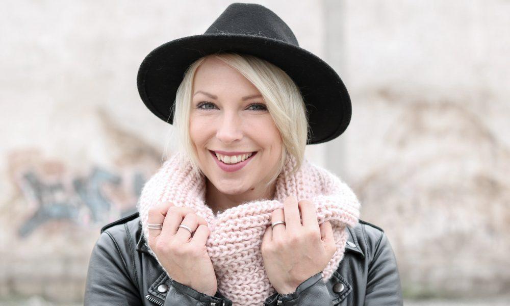 outfit-roland-schnuerstiefel-tamaris-rose-strickpullover-vero-moda-khaki-hut-jeans-8