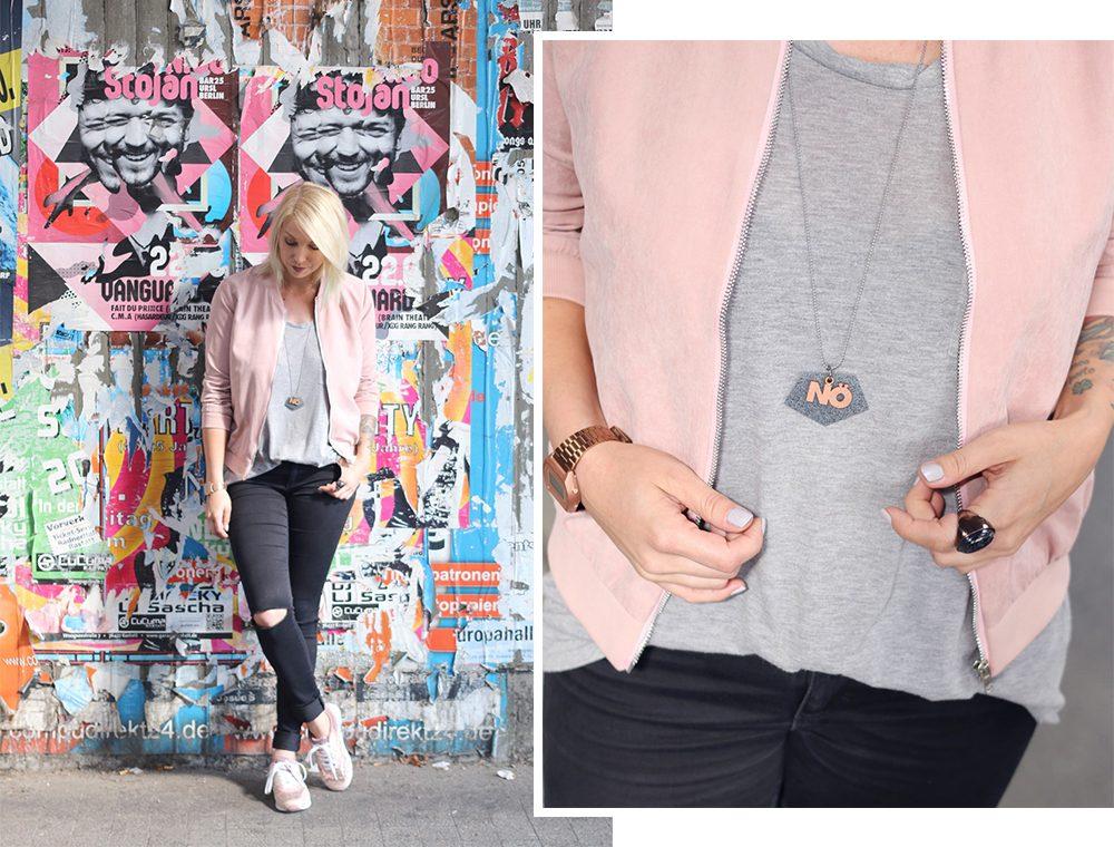 outfit-schwarze-skinnyjeans-rosa-blousonjacke-rose-sneaker-deichmann-pailetten-casio-uhr-rose-1