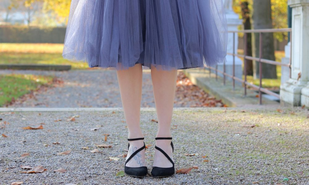 modeblogger-karlsruhe-outfit-herbst-kleid-vero-moda-rostrot-schwarzer-mantel-overknees-hut-1-von-1