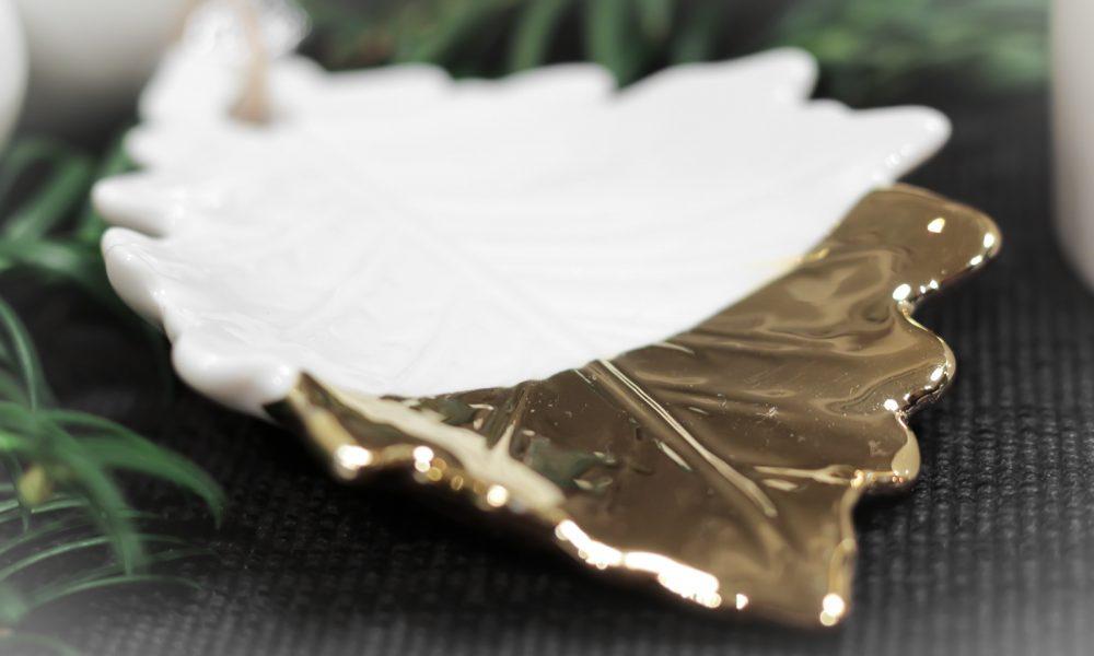 ediths-weihnachten-tischdekoration-advent-schwarzes-besteck-teller-gold-sterne-9