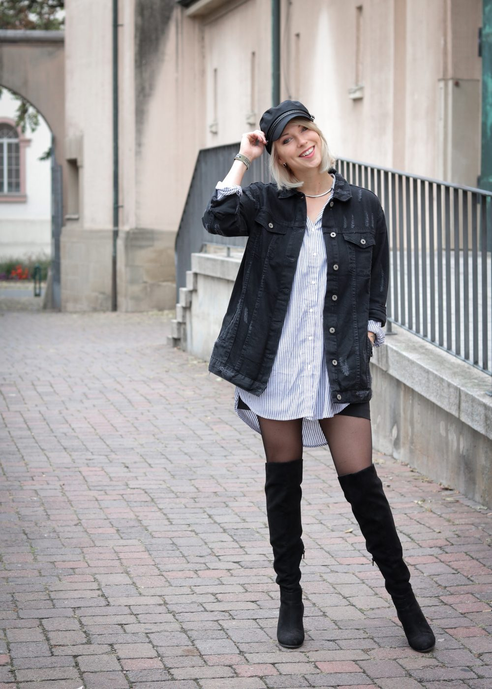 Herbstoutfit oversize jeansjacke overkneestiefel for Jeansjacke kombinieren