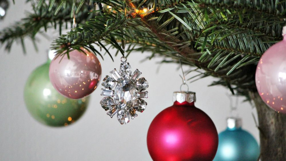 Pastellfarbene Christbaumkugeln.Hilfe Es Weihnachtet Sehr Lavie Deboite