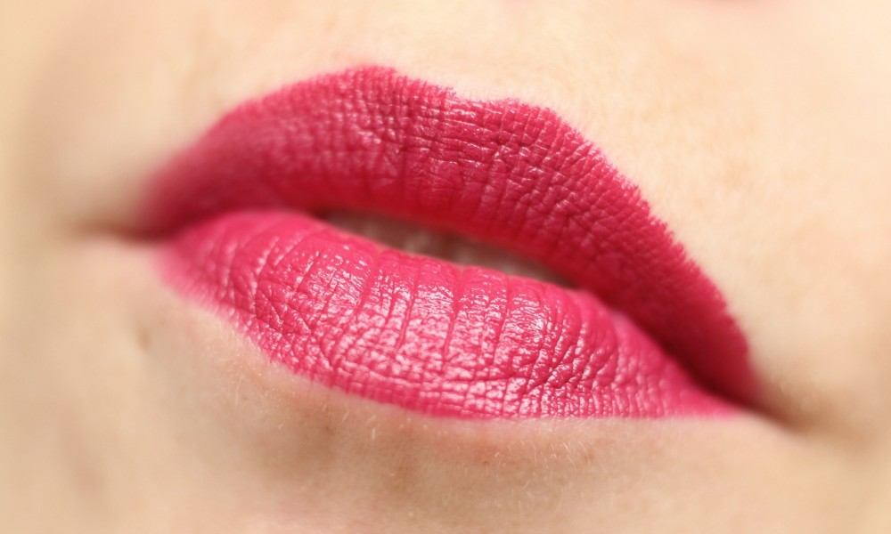 Catrice Ultimate Colour Lippenstift Plum Fiction