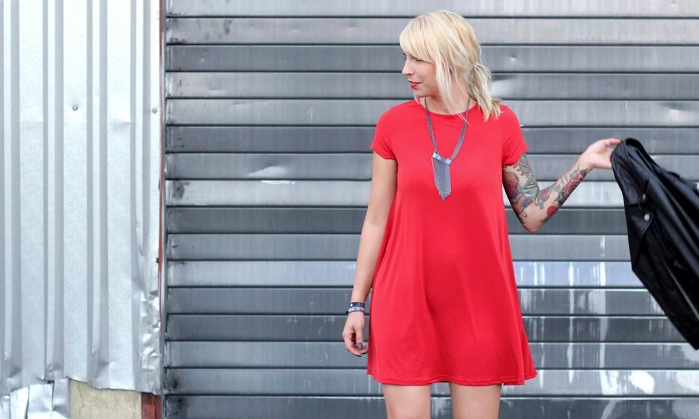 Outfit rotes Kleid Lederjacke Stiefeletten OOTD 8