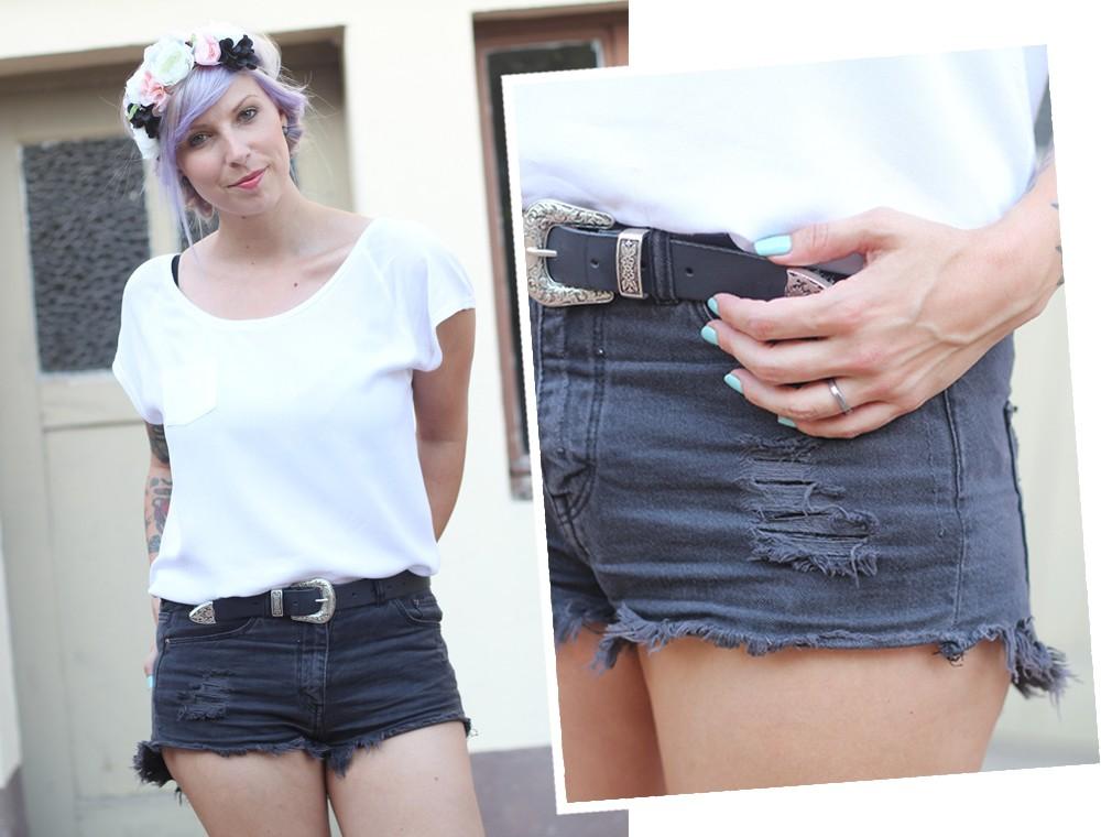 Festivaloutfit Blumenkranz lila Haare High Waist Shorts 4