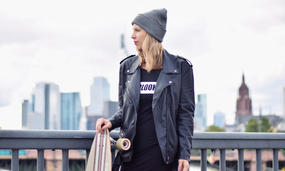 Outfit Fashionblogger Frankfurt Lederjacke Midikleid Sneaker 2