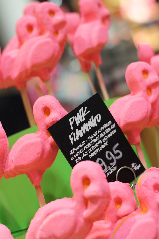 Pink Flamingo Schaumbad Lush Cosmetics 4