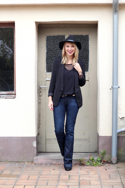 Outfit Schlagjeans Blazer Shirt Hut Fashionblogger Karlsruhe (3)