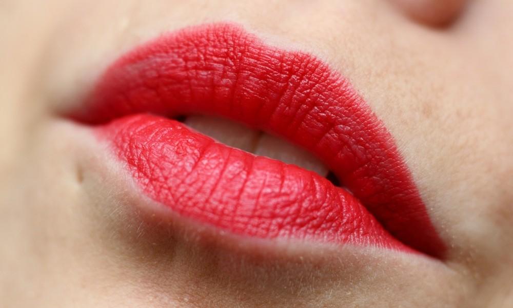 Rival de Loop Berlin Lipstick 61 Swatch Lippenstift