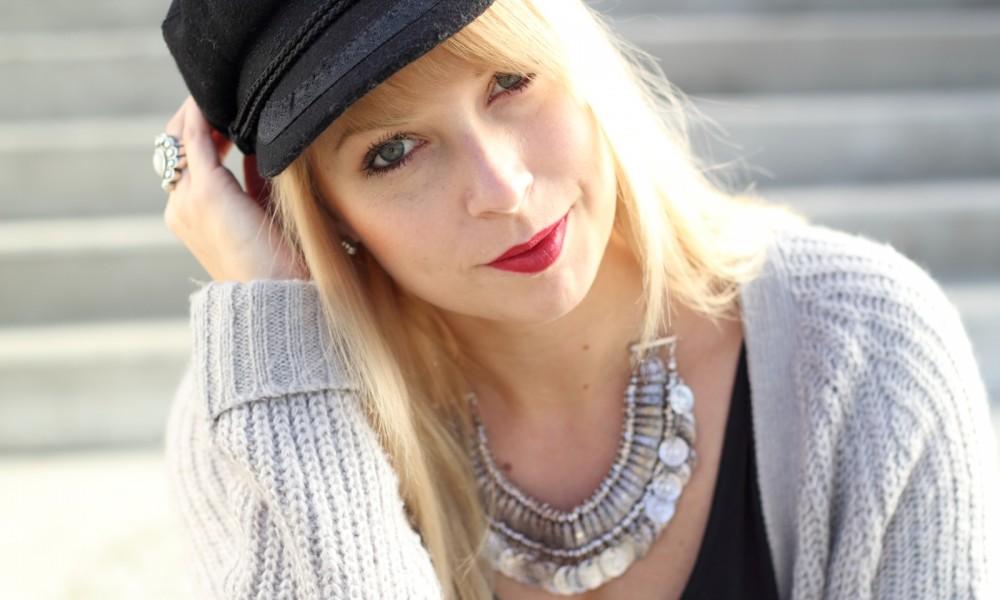 Fashionblogger München Outfit Longcardigan Strick Lederhose Bikerboots 5