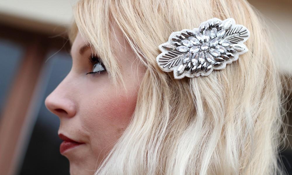 Fashionbloggerin Karlsruhe New Look Weihnachtsoutfit Haarspange