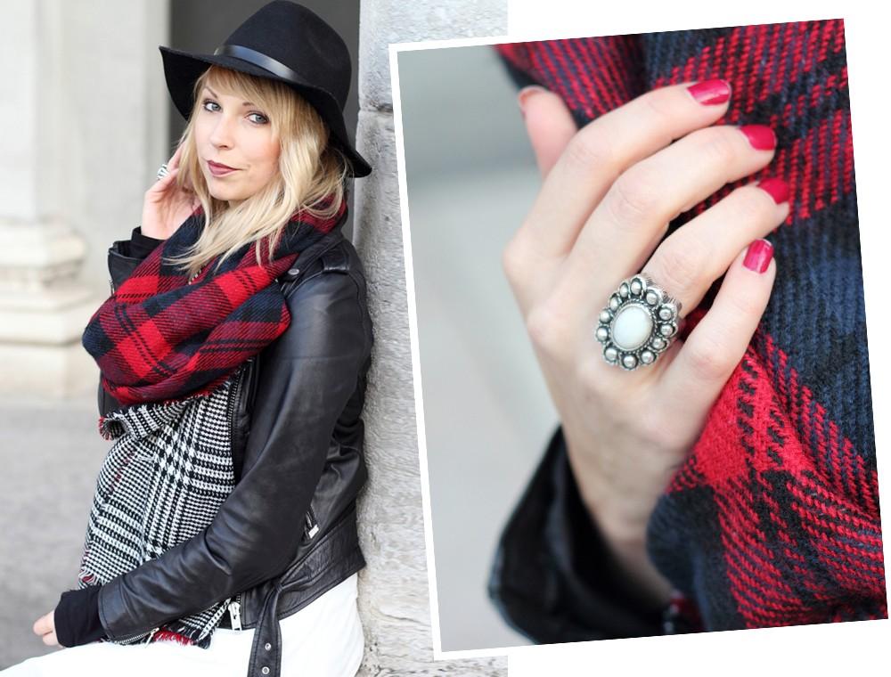 Fashionbloggerin Karlsruhe Outfit München weisses Kleid karierter Schal Lederjacke Bikerboots Fransentasche 14