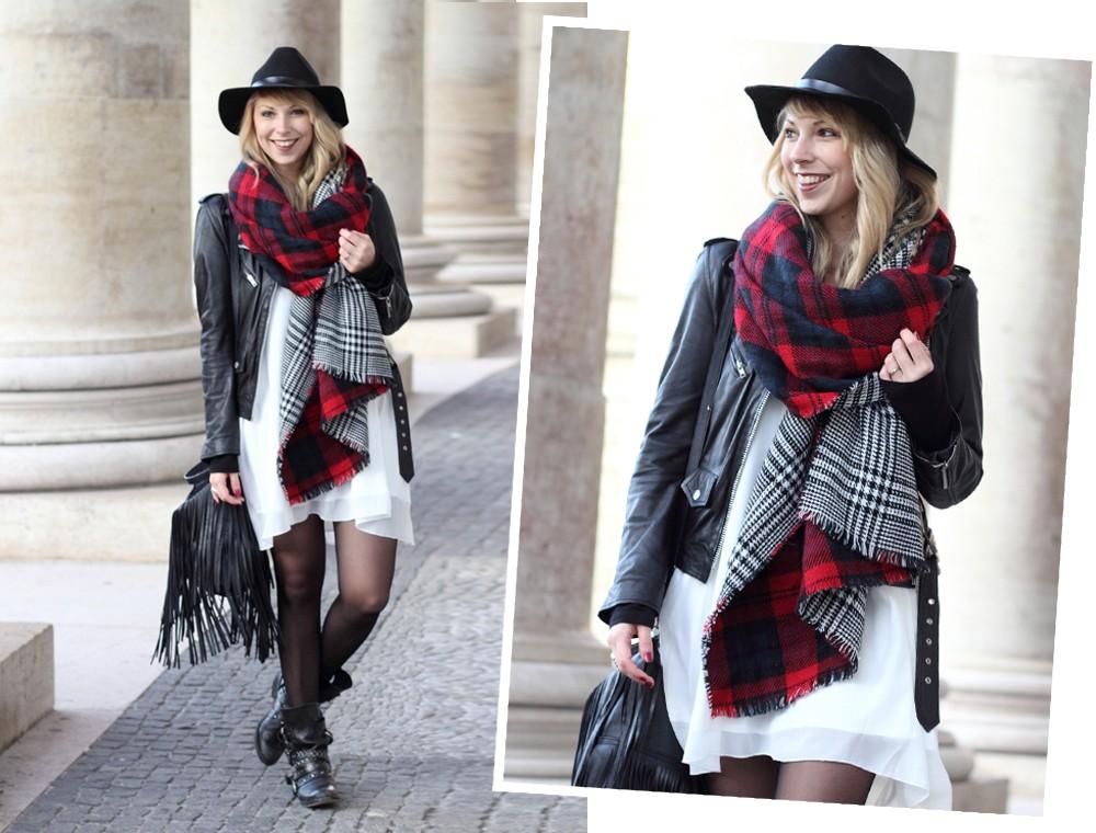 Fashionbloggerin Karlsruhe Outfit München weisses Kleid karierter Schal Lederjacke Hut Fransentasche 1