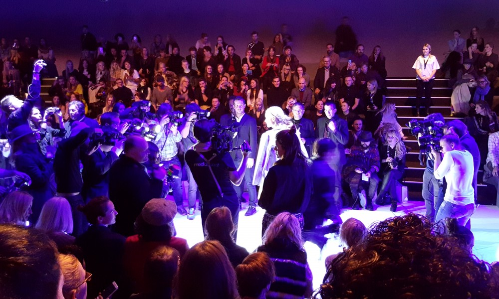 Blitzlichtgewitter Fashion Week Zelt Berlin Januar 2016