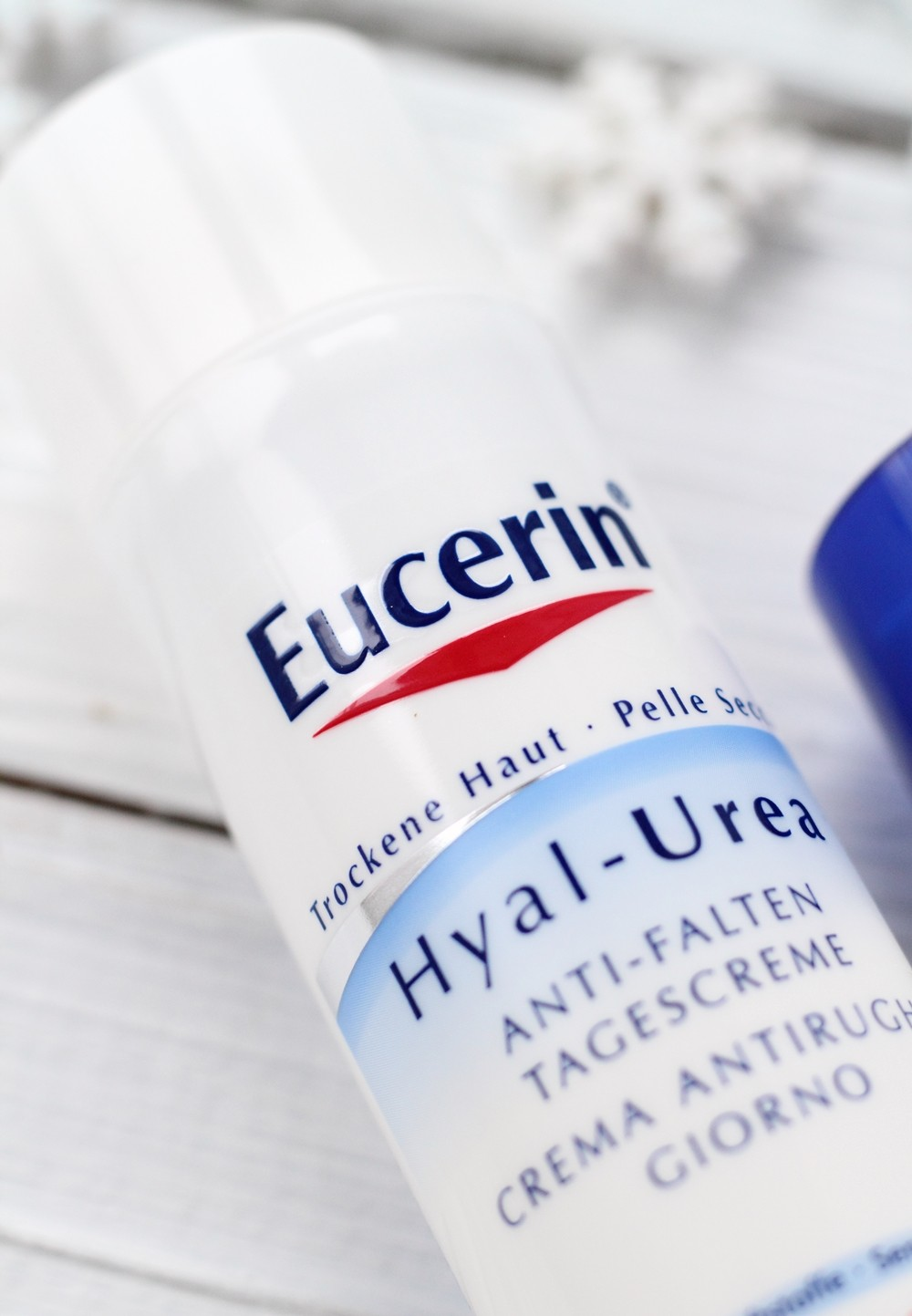 Eucerin Hyal Urea Antifalten Tagescreme rockene Haut