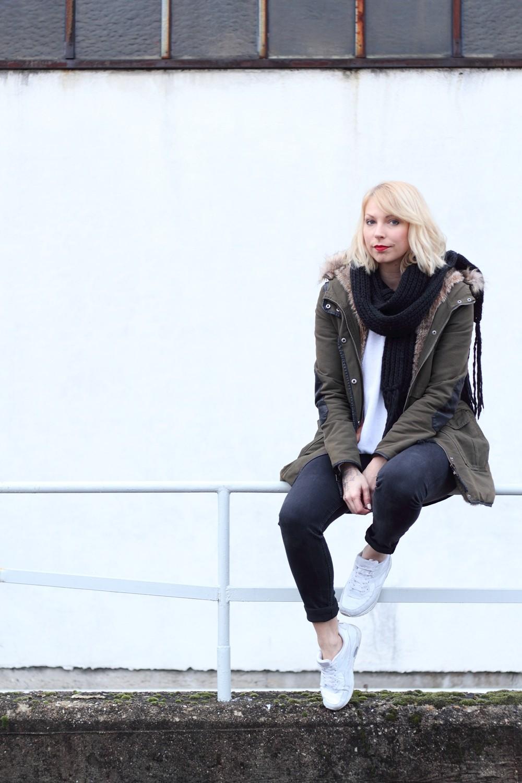 Fashionbloggeri Karlsruhe Outfit Parka Zara Sneaker Deichmann Jeans Sweater Schal 14