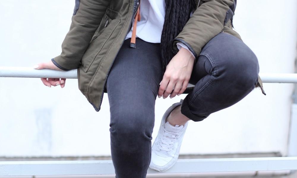 Fashionbloggeri Karlsruhe Outfit Parka Zara Sneaker Deichmann Jeans Sweater Schal 17