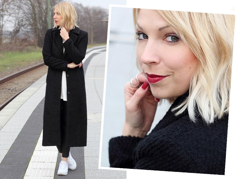 Fashionbloggerin Karlsruhe Outfit Lederhosen Sneaker Sweater langer Mantel 4