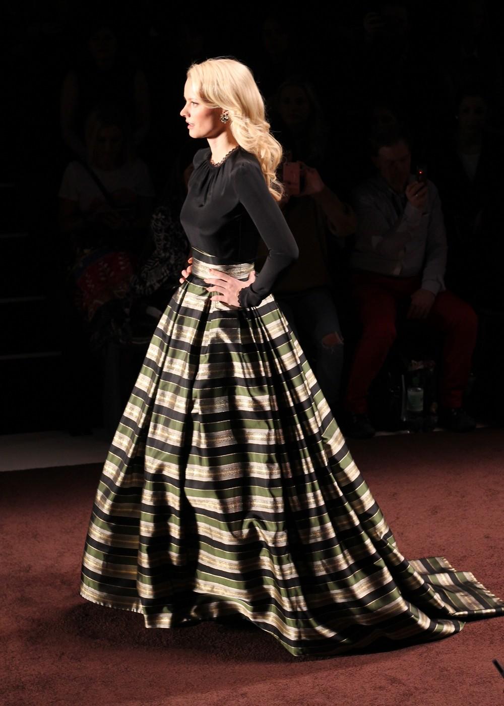 Lena Hoschek Runway Fashion Week Berlin Januar 2016 AW2016 Franziska Knuppe
