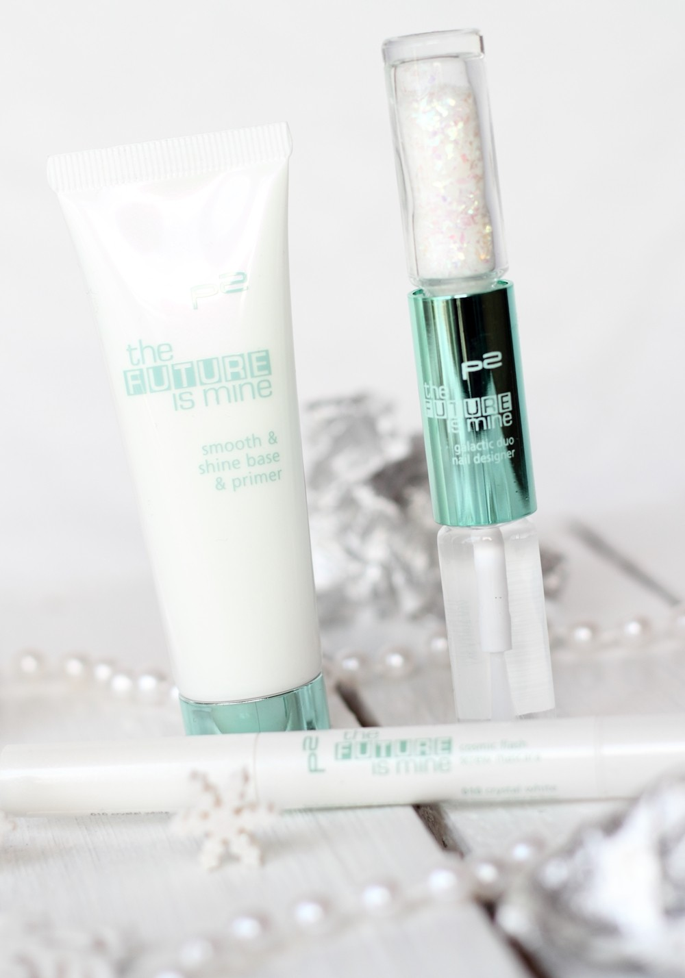 P2 Limited Edition The future is mine Primer Eye Brightener Cosmic Flash Screw Mascara