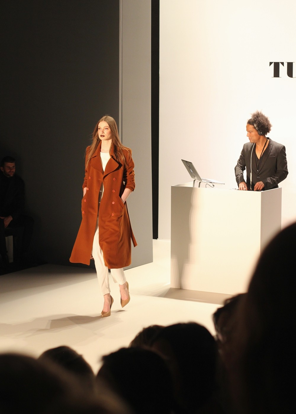 Tulpen Design Runway Fashion Week Januar 2016 AW Mantel