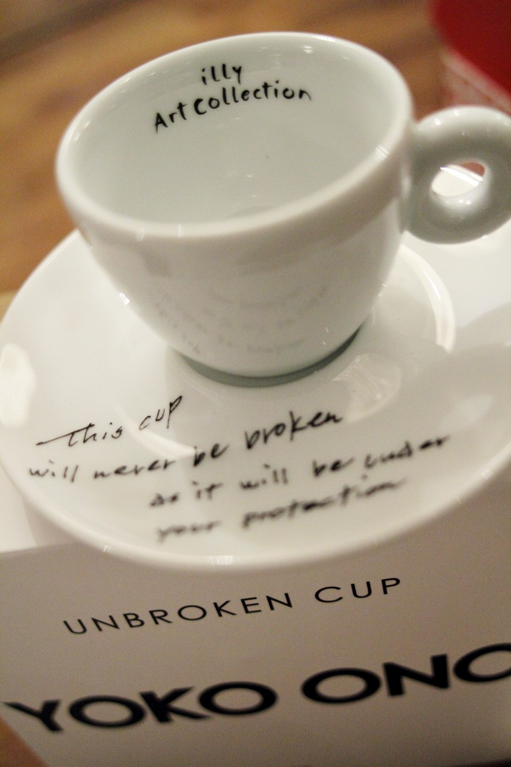 illycaffee Art Collection Yoko Ono Mended Cups
