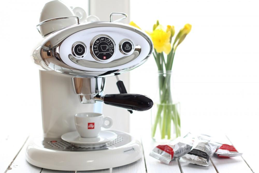Illy Iperespresso Espressomaschine weiss 15