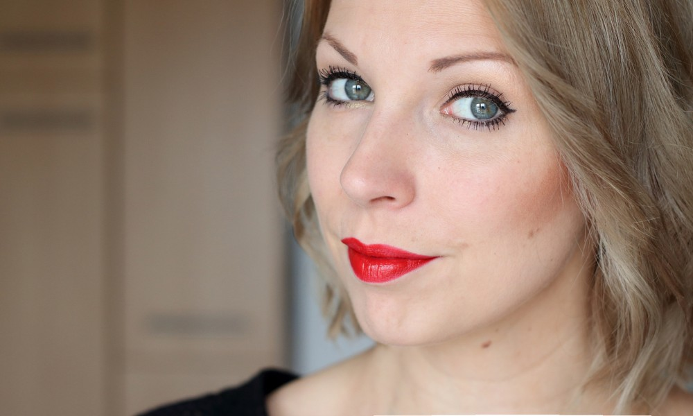 Tages Make Up rote Lippen Trend it up bareminerals 3